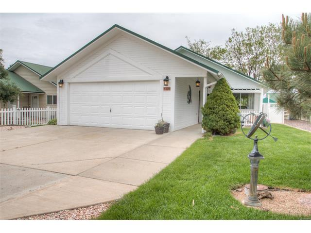 206 2nd St, Mead, CO