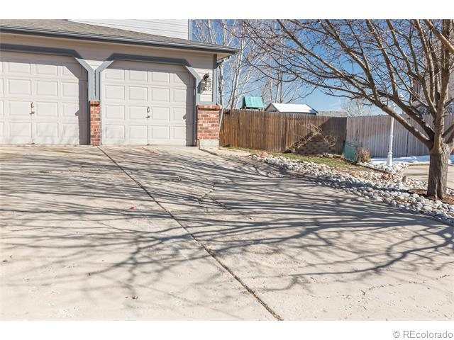 12672 Forest Dr, Thornton, CO