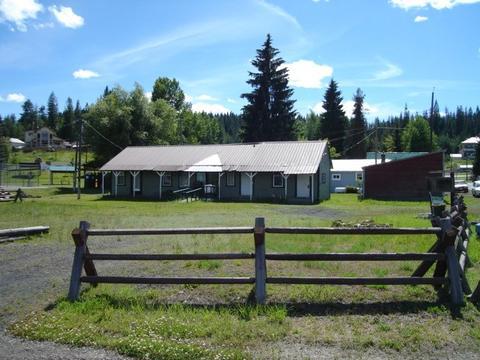 102 S 1st St, Elk River, ID 83827