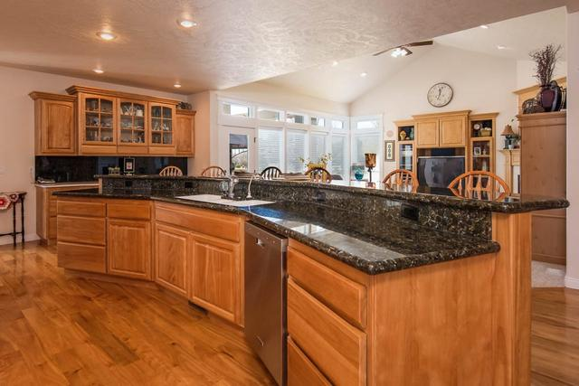 2501 W Timber Dr, Eagle, ID 83616