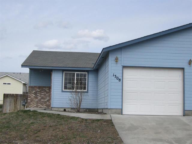 1380 E 19th N, Mountain Home, ID 83647