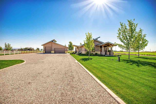 5204 Roy Dr, Nampa, ID 83686