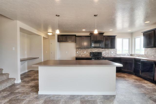 2716 N Bluewater Ave, Boise, ID 83713