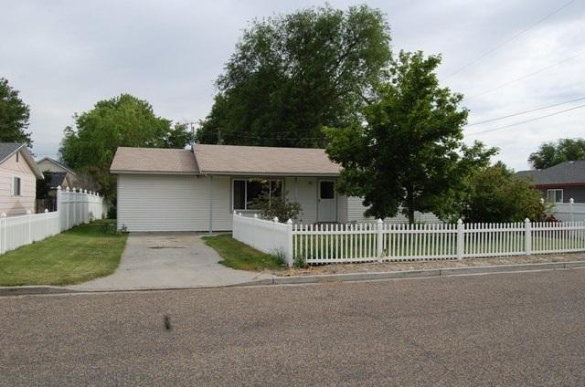 612 NW 2nd St, Fruitland, ID 83619