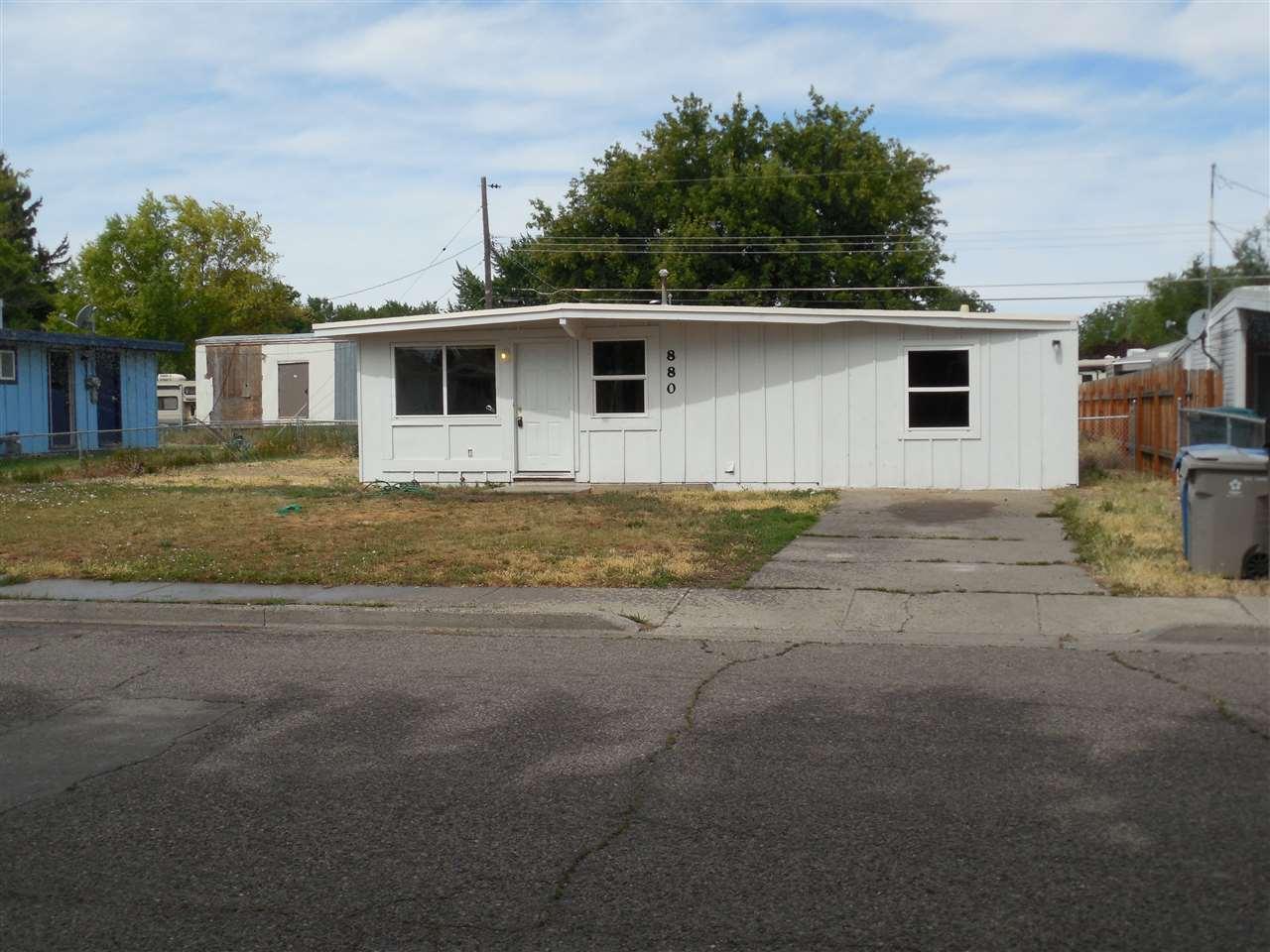 880 S 12 E, Mountain Home, ID 83647