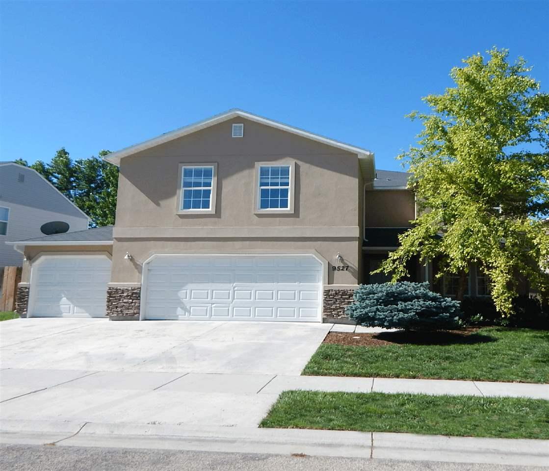 9527 W Littlewood Dr, Boise, ID 83709