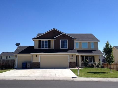 1555 NE Urwin St, Mountain Home, ID 83647