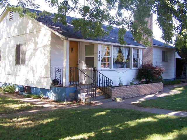 138 W 14th Ave, Gooding, ID 83330