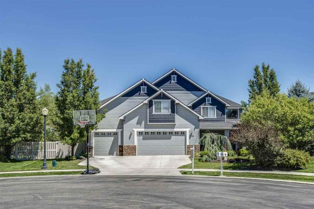574 N Nightingale, Star, ID 83669