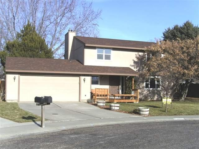 1370 Owyhee Dr, Mountain Home, ID 83647