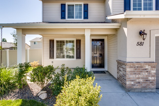 581 W White Sands Court, Meridian, ID 83646