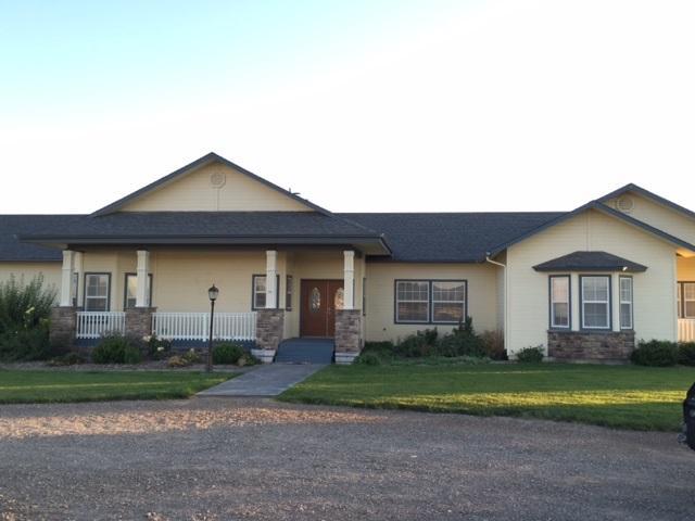10331 W Mesa View Dr, Hammett, ID 83627