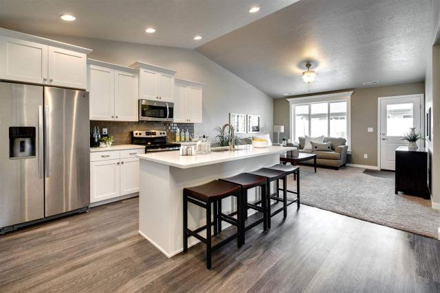 2777 E Apricot Dr, Meridian, ID 83646