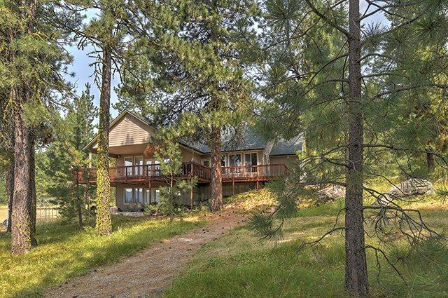 110 Wilderness Ranch Ln, Cascade, ID 83611