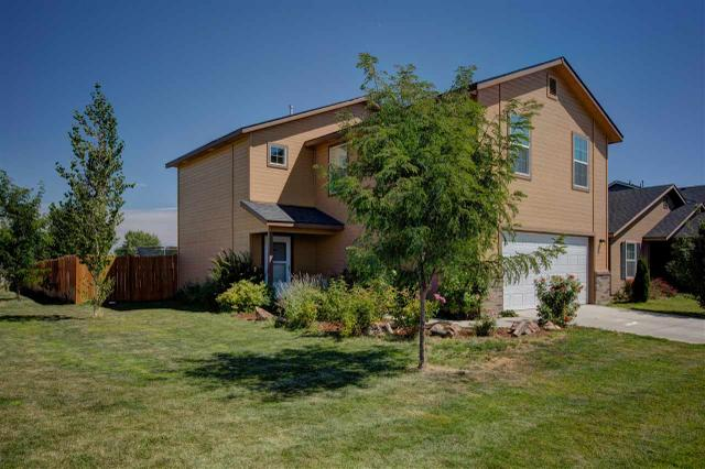 586 N Evelyn Way, Star, ID 83669