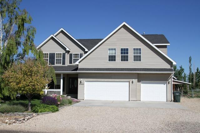 9945 Red Fox Dr, Nampa, ID 83686