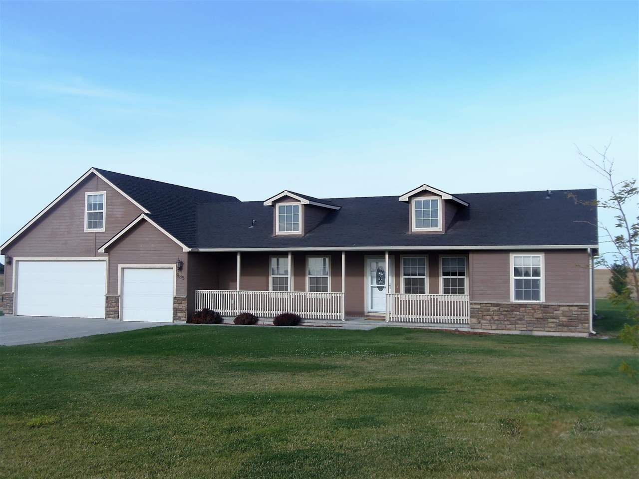 885 SW Wright, Mountain Home, ID 83647