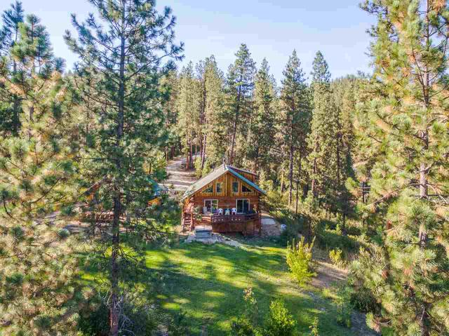 8 Cedar Ct, Idaho City, ID 83631
