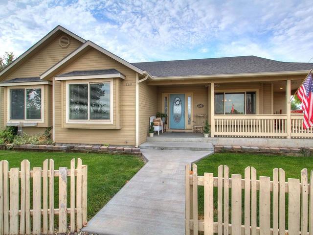 729 W Idaho Avenue, Homedale, ID 83628