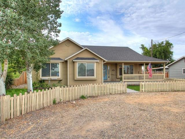729 W Idaho Ave, Homedale, ID 83628