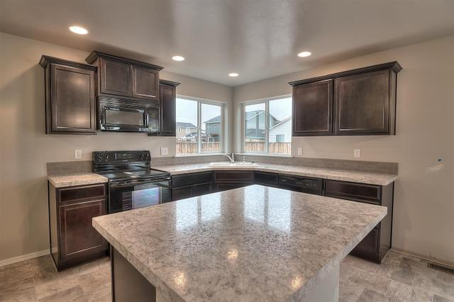 1426 E Argence St, Meridian, ID 83642