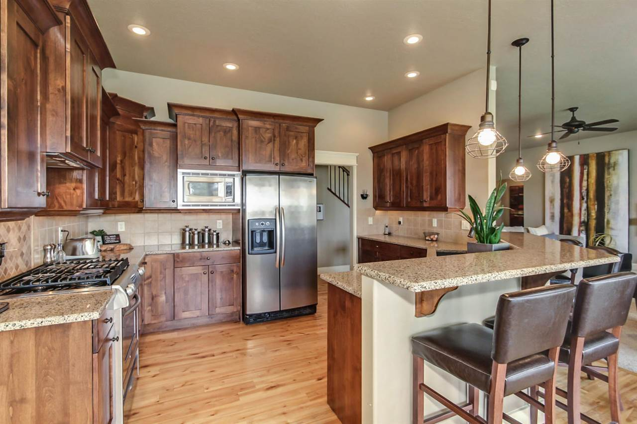 1977 N Willow Glen Place, Star, ID 83669