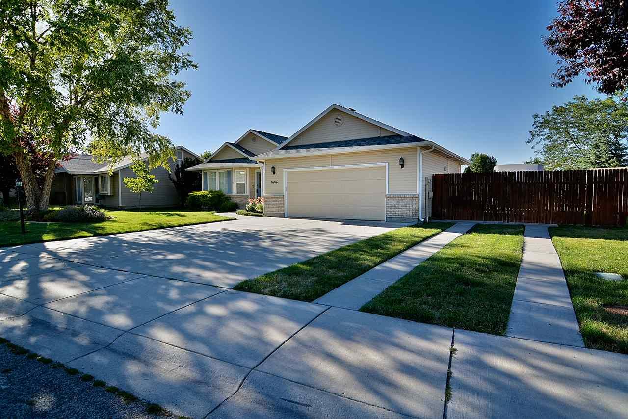 1686 E Cougar Creek Drive, Meridian, ID 83646