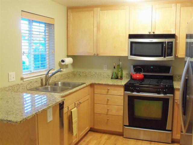 305 W Village Ln #305, Boise, ID 83702