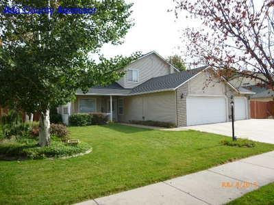 2730 E Green Canyon Dr, Meridian, ID 83642