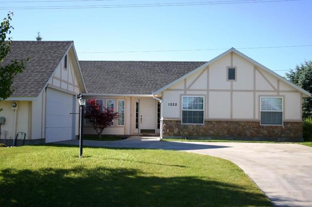 1222 Walnut Creek Ct, Nampa, ID 83686