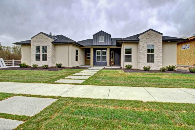 5949 N Hacienda Ave, Boise, ID 83703