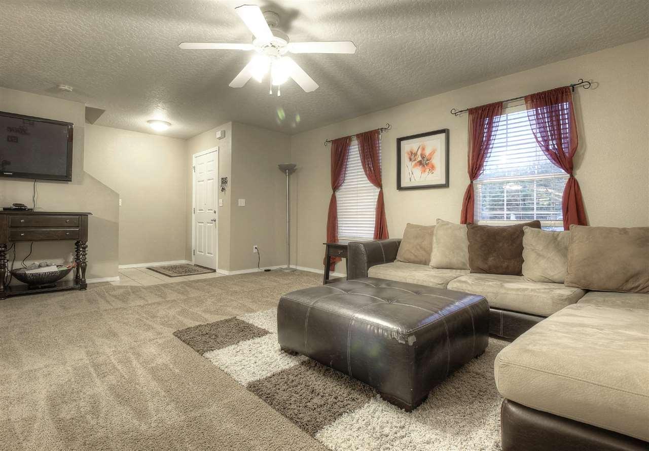 9555 W Weir Hollis Drive, Boise, ID 83709