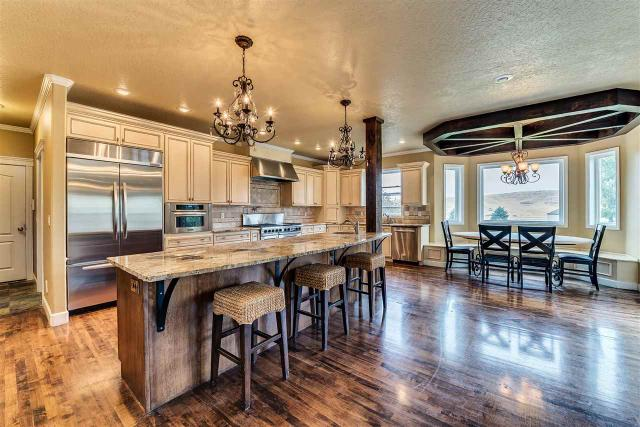 10336 W Deep Canyon Dr, Star, ID 83669