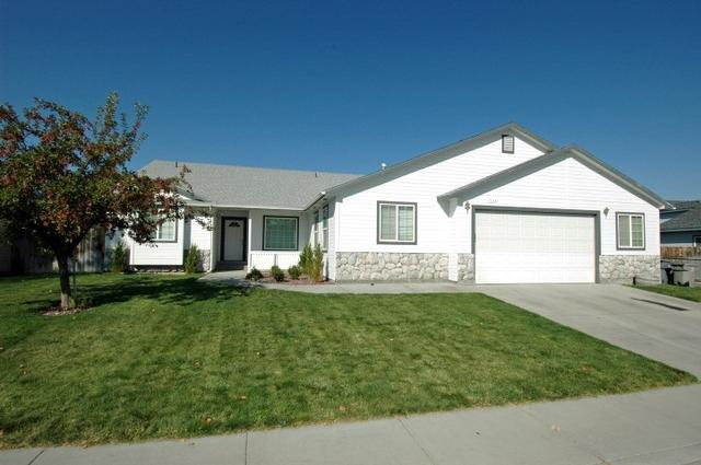1335 SW Kursten, Mountain Home, ID 83647