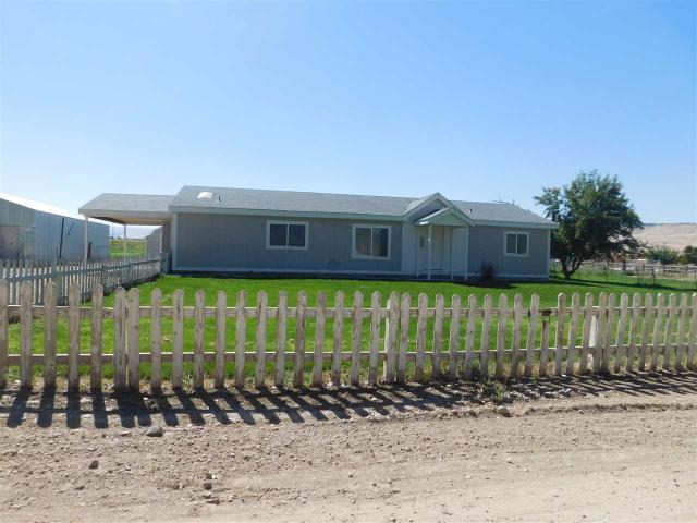 3015 Sagebrush Ln, Homedale, ID 83628