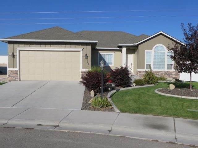 3601 S Edgeview Dr, Nampa, ID 83686