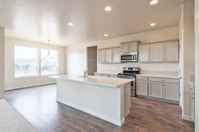 2933 NW 10th Ave, Meridian, ID 83646
