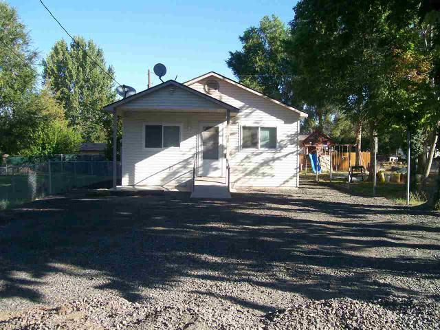 341 Orchard St E, Hagerman, ID 83332