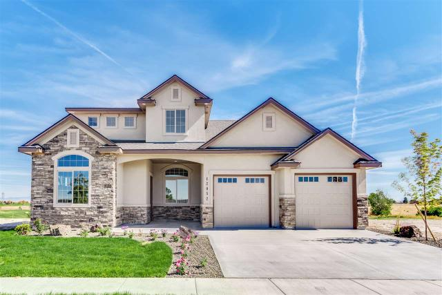 12052 S Hunters Point Dr, Nampa, ID 83686