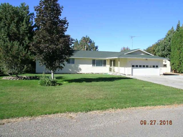 255 NW Wilson Cir, Mountain Home, ID 83647