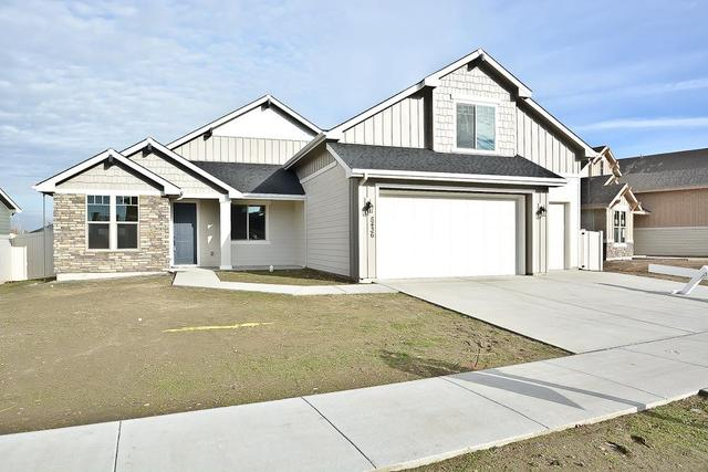 2812 W San Remo Dr, Meridian, ID 83646