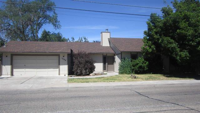1295 N 6th E, Mountain Home, ID 83647