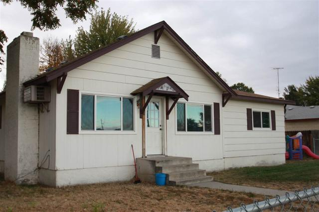 1422 Center Ave, Payette, ID 83661