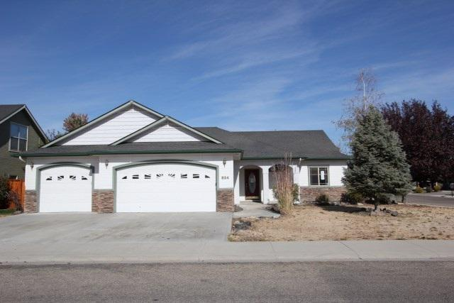 854 W Great Basin Dr, Meridian, ID 83646