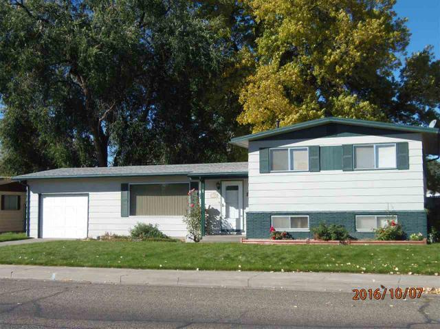 1185 N 6th E, Mountain Home, ID 83647