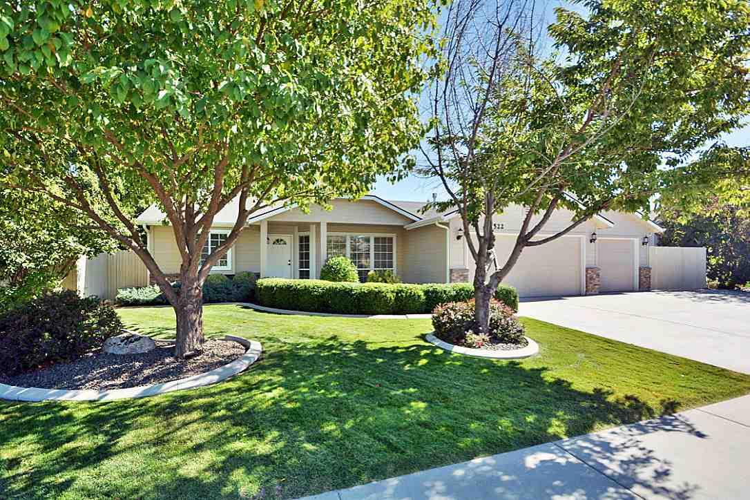 5522 S Santa Cruz Way, Boise, ID 83709