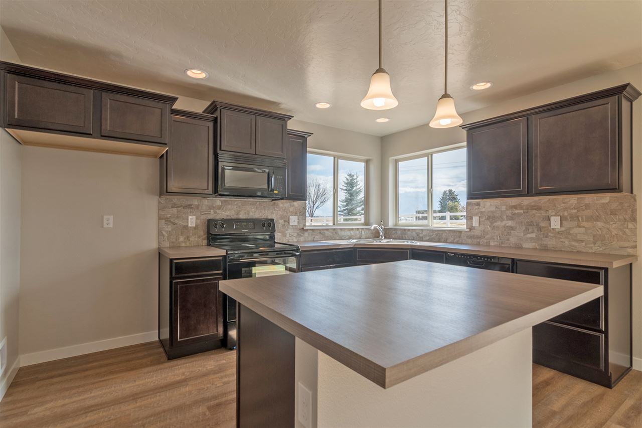 11671 Annette Ct, Caldwell, ID 83605