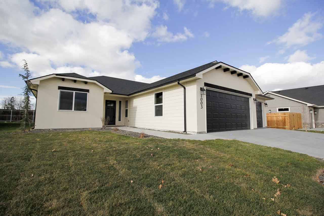 1003 S Spring Valley Drive, Nampa, ID 83686