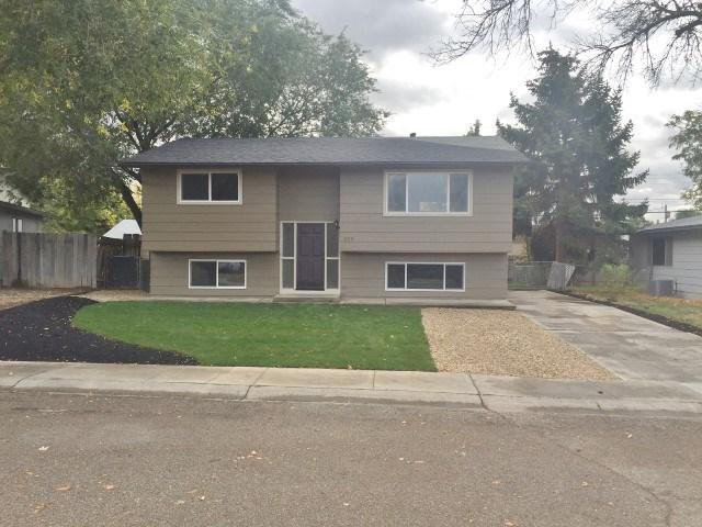 209 W Cherry Ave, Meridian, ID 83642