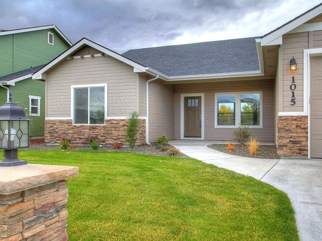 1015 Spring Valley, Nampa, ID 83686